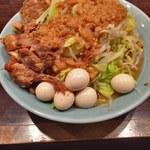立川マシマシ - 小ラーメン(ヤサイ普通、アブラマシ)+うずら+豚マシ