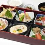 日本料理こぶし - 料理写真:こぶし特製神楽弁当2160円