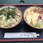 63910735 - 山菜うどん(¥450)とかるかやうどん(¥500)