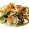 南国酒家 - 料理写真:[4/1~6/30春季限定]真ツブ貝とアスパラガスのXО醤炒め