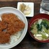 しろきや食堂 - 料理写真:ソースカツ丼 700円でした 漬物がおいしい