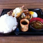 カフェレスト テンセブン -  2012/08 バーグ味噌かつエビフライ定食¥1,300ご飯L