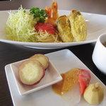 ユミズ ヤム ヤム - カキとエビの天ぷらランチ