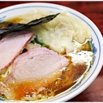 白河中華そば - 中華雲吞麺 920円 味わい深い醤油スープにびろび手打ち麺。白河ラーメンの魅力がここに♪
