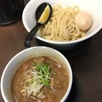 ガガナラーメン極×大阪ふぃがろ亭 - GaGaNaホルモンつけ麺(880円)