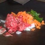 小六 - 料理写真:牛肉と玉ねぎとニンジンとピーマン