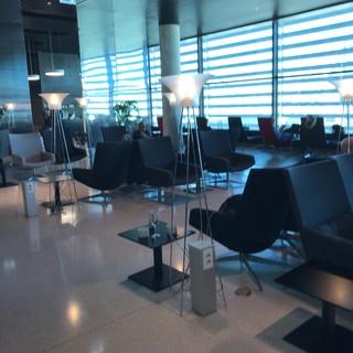 ANA Lounge -