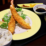 寿司割烹 寿司御殿 - 料理写真:特大えびふらいランチ