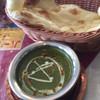 カトマンズ - 料理写真:チキンとほうれん草のカレー&ナン