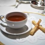 アピシウス - 小笠原産母島の青海亀のコンソメスープ シェリー酒風味