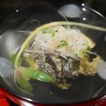 64111305 - アワビ、卵のくず豆腐の椀