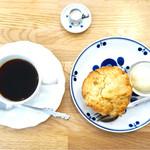 エゾリス珈琲店 - イルガチェフェ¥430とバターマフィン¥350