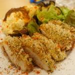 YAICHIRO - 鶏モモ肉のニンニクパンコ焼き