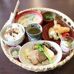 カフェ イロハ - IROHAかご弁当1,620円
