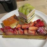 Cafe Apartment 183 -