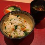 華やぎ - 桜海老と三つ葉の土鍋炊き込みご飯