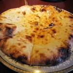 フルバリ アジアン - バリッと焼き上げのいいチーズナン☆