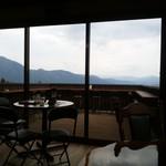 ゆふいん庄屋の館 - 席から見えるテラス席