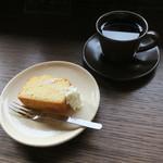 百春 - 手作り 和三盆とラム酒のパウンドケーキ&百春ブレンド