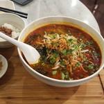 台湾担仔麺 - 担々麺