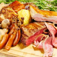 10種のお肉と30種類以上の野菜が楽しめるガーデンコース