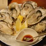 64303199 - 本日の真牡蠣6種類食べ比べ