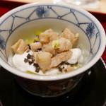64317146 - 虎ふぐの白子とトリュフの蒸し寿司