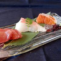 旬鮮台所 ZEN - 本日のお刺身ちょっと盛り