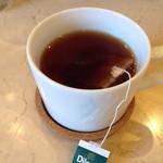 カフェテリア スパイスジャヤ - セットの飲み物 紅茶はまんまティーパック