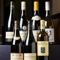季節感溢れる料理とバランスを考えたワインをセレクト。