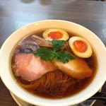 らぁ麺 紫陽花 - 醤油らぁ麺+味玉