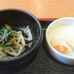 日菜魚 - 日菜魚 @茅場町 お刺身定食に付くモヤシナムルと漬物