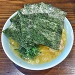 64387551 - ラーメン650円麺硬め。海苔増し100円。