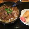 うめか - 料理写真:肉うどん=550円 いなり=100円
