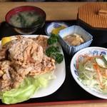 多加箸 - ひとつひとつが大きい唐揚げ