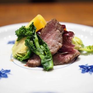 傳 - 料理写真:和牛のロースト 出汁を含ませて