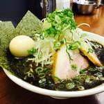 なんつッ亭 - なんつっ亭スペシャル   クリーミースープに黒マー油が相性抜群(*^_^*)