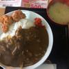 平和食堂 - 料理写真:自慢のポークカレーセット 900円→500円   カレー、唐揚げ2個、味噌汁