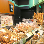 メゾンカイザー - まだパンがたくさん!!