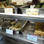 天亀そば - 天ぷらカウンター