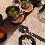 マティーニハウス - シシリアの新漬けオリーブ&アメ横の小島屋さんの塩豆