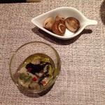 マティーニハウス - シャンピニオンのマリネ&牡蠣のオイル漬け