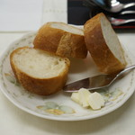Bistrot La fee - 週替わりコースランチ パン