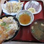 シャコ丼の店 - しゃこ丼定食 1600円 (2017.3)