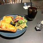 タブレスクック&ジョナサンズ ブックストア - クロックムッシュ、コーヒー(I)