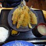 福浦漁港 みなと食堂 - フライ定食