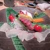 串焼 博多 松介 - 料理写真:福岡の居酒屋での宴会には欠かせない新鮮な刺身は市場直送刺身の3種盛りです。