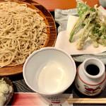 信濃 - 春の山菜天ぷらのせいろ