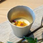レヴォ - ジャガイモの冷製スープ
