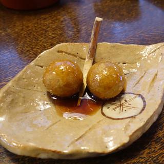 そばの実 - 料理写真:サービスで揚げそば玉の飴掛け